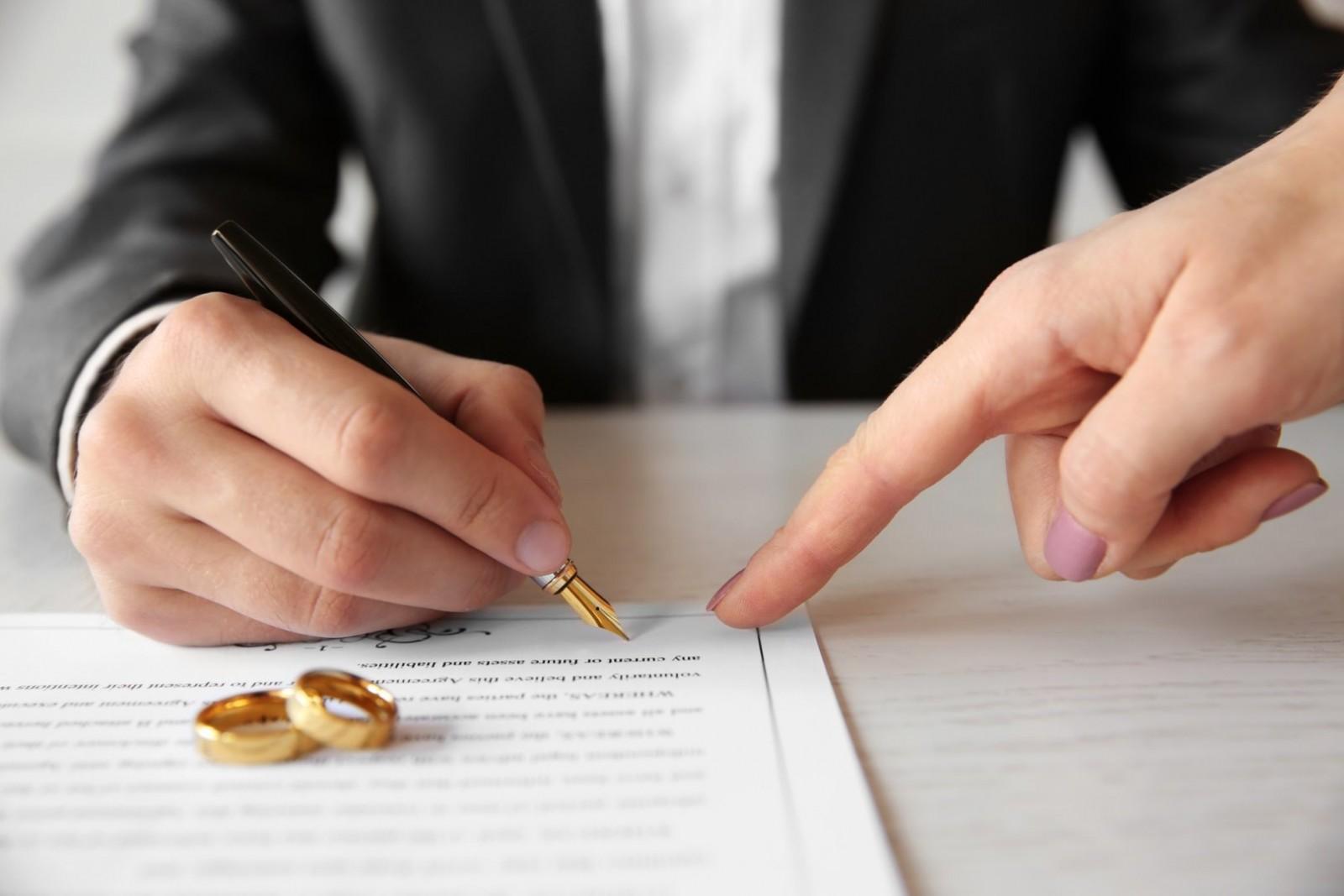 Как оформить брачный договор с учетом вопросов недвижимости